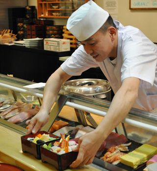Sushi_chef_01